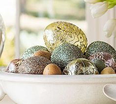 Add glamour to your Easter table with glitter eggs
