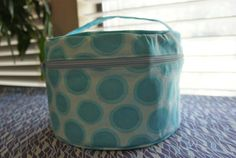 Ready,Set,Go! ~ Round Travel Bag | Sew Mama Sew | Outstanding sewing, quilting, and needlework tutorials since 2005.