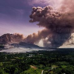 What an unbelievable sight I saw today and captured with my @djiglobal #PhantomVisionPlus. . #MountSinabung erupted two times back to back sending heaps of ash to the neighboring town off #Berastagi. . .  #AmeliaDronehart #droneAdventures #IFlyDJI #dji #DJIPhantom #drone #SinabungEruption #Sinabung #Sumatra #NorthSumatra #TheSkyKings #DJIPhantomIndonesia #DroneOfTheDay #GoProOfTheDay #photooftheday #liveoutdoors #LingkarIndonesia #ExploreIndonesia by aerialrhianna