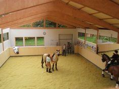 I'm in love with this schleich arena Schleich Horses Stable, Tiny Horses, Clydesdale Horses, Horse Stalls, Horse Barns, Bryer Horses, Horse Barn Plans, Barrel Racing Horses, Race Horses