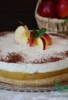 tort cu blat de biscuiti,mere si crema ,foarte gustos