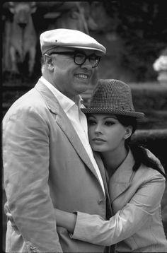by Alfred Eisenstaedt / Sofia Loren and Carlo Ponti, 1964 Hollywood Couples, Celebrity Couples, Hollywood Stars, Classic Hollywood, Old Hollywood, Celebrity Weddings, Carlo Ponti, Sophia Loren, Photo Star