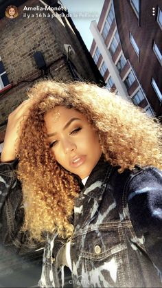 Curly Afro Hair, Blonde Curly Hair, Colored Curly Hair, Curly Hair Styles, Natural Hair Styles, Baddie Hairstyles, Black Girls Hairstyles, Brown Hairstyles, Wedding Hairstyles