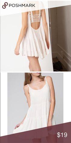 Brandy Melville White Jada Dress •Perfect Confition •Great To Wear As A Layering Piece Or Just As Is •OS But Fits More Like a XS-S Brandy Melville Dresses