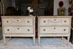 Vintage French Soul ~ inspiration for paint finish - Pair of Swedish Chests Tiny Furniture, European Furniture, Shabby Chic Furniture, Living Room Furniture, Painted Furniture, Furniture Design, Miniature Furniture, Antique Furniture, Swedish Decor