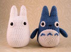 crochet: Ravelry: White and small Blue Totoro amigurumi pattern by Lucy Ravenscar Crochet Diy, Totoro Crochet, Crochet Gratis, Crochet Amigurumi, Crochet Dolls, Crochet Toys Patterns, Amigurumi Patterns, Knitting Patterns, Pdf Patterns