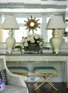 Ashley Whitaker via Mix and Chic: Fresh and sophisticated rooms!