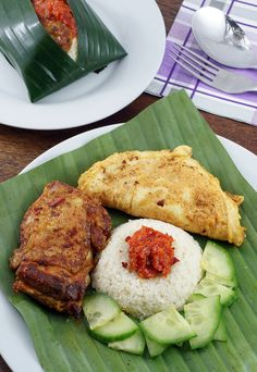 A #keto version of Malaysia's national dish: Nasi Lemak. Shared via www.ruled.me/