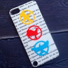 HANDMADE The Hunger Games Inspired 3 Mockingjays Case! . .  iPhone iPod Phone Android Samsung Galaxy Phone Cases MADE BY HAND  TheSorcerersPhone . .  FOLLOW @TheSorcerersPhone on Instagram!