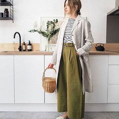 Linen keeps you cool 😎 (Especially when it's on offer at Fashion Deals, Fashion Brands, Minimal Outfit, Casual Outfits, Fashion Outfits, Muji, Work Attire, Everyday Look, Minimalist Fashion