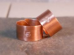Rustic Copper Wedding Rings Set of TWO Personalized Monogram Rings For Him For Her Couple's Jewelry Custom Promise Rings, Promise Rings For Couples, Couple Rings, Copper Wedding, Best Friend Jewelry, Couple Jewelry, Handmade Copper, Handmade Jewelry, Engraved Rings