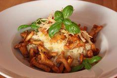 Da der Sommer nun endgültig vorbei ist hier ein herbstliches Risotto mit frischen Pfifferlingen! Zubereitungszeit: 25 min. #lecker #reishunger #vegetarisch #gesund #healthy #food #bremen #germany #italy #italien #kitchen #cooking #selfmade