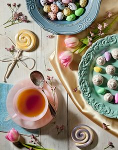 Tea and friends Pastel Photography, Food Photography, Hoppy Easter, Easter Eggs, Good Morning Ladies, Vintage Easter, Vintage Tea, Vintage Food, Easter Table Decorations
