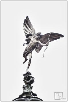 Piccadilly Circus, angelo, cupido, freccia, eros, angel, square, arrow  https://www.facebook.com/pages/LQuadro/296470903800598?ref=ts&fref=ts