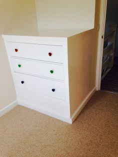 House stuff on pinterest built in wardrobe ikea hacks for Small box bedroom designs
