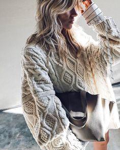 Тепло и стильно - 40 зима 2021 на каждый день #тренды2021 #зима2021 #гардероб2021 #базовыйгардероб2021 #зимнийгардероб2021 #пальто2021 #кашемир #свитер #джинсы #сапоги2021