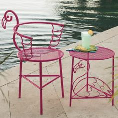 Flamingo Chair and Side Table from Seventh Avenue. keeping it flamingo-classy Flamingo Decor, Pink Flamingos, Flamingo Pool, Flamingo Gifts, Kitsch, Muebles Art Deco, Tout Rose, Pink Bird, Outdoor Furniture Sets