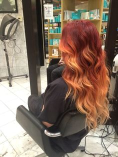 Hot red ombre hair trends for girls - Madame Frisuren - Hair Styles Red Ombre Hair, Ombre Hair Color, Brown Hair Colors, Brown To Red Ombre, Red Balayage Hair, Red Hair With Blonde, Brown To Red Hair, Black Hair, Haircuts For Long Hair