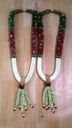 Flower Garland Wedding, Flower Garlands, Wedding Garlands, Wedding Flowers, Flower Centerpieces, Wedding Centerpieces, Indian Wedding Stage, Indian Wedding Decorations, Wedding Album