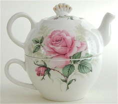Pink rose tea for one