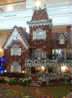 Now that's a gingerbread house!