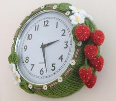 Knitted Strawberry Clock... So cute~
