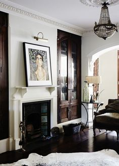 dark built-ins against white. photocredit: Sean Fennessy for The Design files Living Room With Fireplace, Home Living Room, Living Spaces, Fireplace Mantel, Design Salon, Deco Design, Design Design, Built In Cabinets, Dark Cabinets