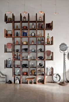 wood shelf+pottery+telephone
