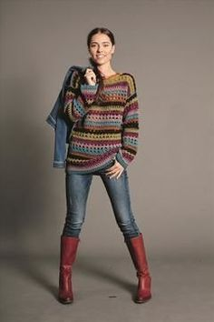 Gehäkelter Damenpullover im Rautenmuster mit verschiedenen Farben - Häkelanleitung via Makerist.de #häkelnmitmakerist #häkeln #crochet #pullover #häkelmuster