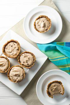 Mini Raw Banana Cream Pies with Peanut Butter Crust
