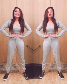 Latest photos of Neha Kakkar Short Girl Fashion, Girls Fashion Clothes, Stylish Girls Photos, Stylish Girl Pic, Bollywood Celebrities, Bollywood Fashion, Bollywood Actors, Neha Kakkar Dresses, Girls Night Dress