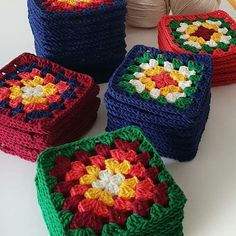 Image may contain: food Crochet Cushion Cover, Crochet Cushions, Crochet Quilt, Crochet Motif, Crochet Flowers, Crochet Yarn, Granny Square Crochet Pattern, Crochet Squares, Crochet Granny