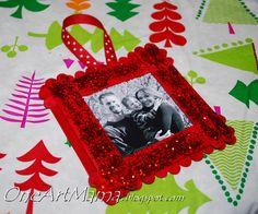 One Artsy Mama: Sparkly Frame Ornament Photo Christmas Ornaments, Christmas Frames, Christmas Past, Christmas Stuff, Christmas Recipes, Popsicle Stick Crafts, Craft Stick Crafts, Craft Ideas, Craft Sticks