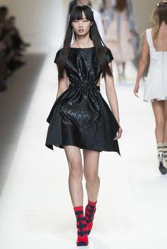 Fotos de Pasarela | Fendi, primavera-verano 2017, Milan Fashion Week Primavera Verano 2017 Milan Fashion Week | 30 de 58 | Vogue