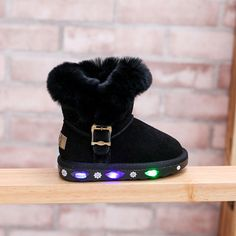 Led Light UP Kids Boots. It is with cotton-padded and big Fur. Fashion and Warm  Snow boots for toddler kids. 860122f19025