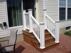 31 Ideas trex deck stairs front porches for 2019 Patio Steps, Outdoor Steps, Outdoor Patios, Deck Stair Railing, Stair Handrail, Railings, Railing Ideas, Tile Stairs, Building Stairs
