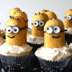 Despicable Me Twinkie Minion Cupcakes | AllFreeKidsCrafts.com