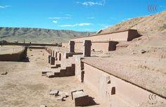 Detalhe de ruínas de construção em Tiahuanaco na Bolívia - arquivo expedição urandir projeto portal 2011