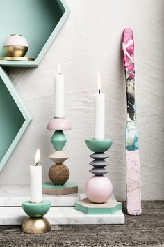 Candlestick with wooden balls www.pandurohobby.com Home Decor by Panduro #DIY #interior #candleholder  #woodenball #interior #inredning #träkulor #ljusstake