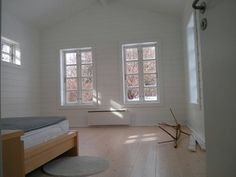 Small spaces www. Log Homes, Small Spaces, Windows, House, Timber Homes, Wood Homes, Home, Small Space, Window