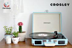so cute & retro: crosley record player Crosley Record Player, Vinyl Record Player, Record Players, Vinyl Records, My New Room, My Room, Record Player Reviews, Pastel Room, Dream Apartment