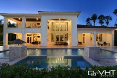 Beautiful backyard and pool in Weston, FL (Photo by VHT Studios) Click to tour the rest of the home! #pool #backyard #twilight