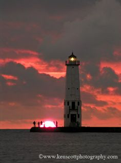 Frankfort Light at sunset . Frankfort, Michigan