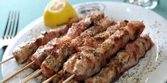 Souvlaki Kalamaki (Greece)… – New Avsa Restaurant Greek Recipes, Meat Recipes, Food Processor Recipes, Cooking Recipes, Healthy Vegetables, Grilled Vegetables, Healthy Eating Tips, Vegetable Drinks, Food Porn