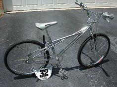 24 Bike, Vintage Bmx Bikes, Bmx Cruiser, Bmx Street, Bicycles, Mountain Biking, Old School, Action, Racing