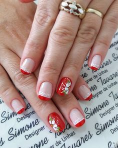 Uñas rojas flores Pretty Nail Art, Cool Nail Art, Fancy Nails, Cute Nails, Work Nails, Short Nails Art, Nail Arts, Manicure And Pedicure, Summer Nails
