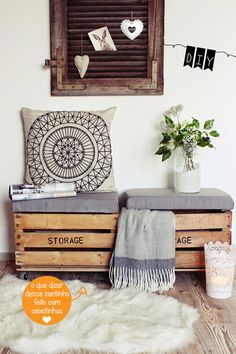 14 Pallet Furniture Designs You'll Want In Your Home DIY seat from old wooden boxes. Decor, Furniture Design, Furniture Diy, Furniture, Interior, Diy Decor, Home Decor, Pallet Furniture Designs, Home Deco