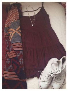 Like the outfit but the dress looks really short Vintage Hipster, Mode Vintage, Teen Fashion, Fashion Outfits, Womens Fashion, Fashion Clothes, Mode Outfits, Casual Outfits, Hipster Outfits