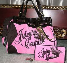 I want this purse, first name brand purses I have fallen in love with =)