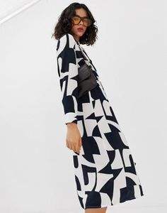 9d4e600e064347 Vero Moda bold abstract wrap midi dress